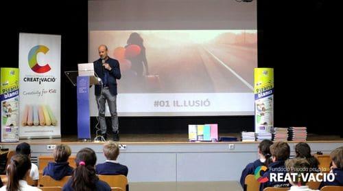 Lliurament llibretes co-creades - Fundació Creativació