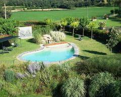 La piscina de L'Arcada de Fares