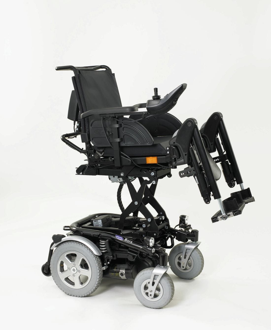 Cadira de rodes electrònica BORA amb elevació eléctrica