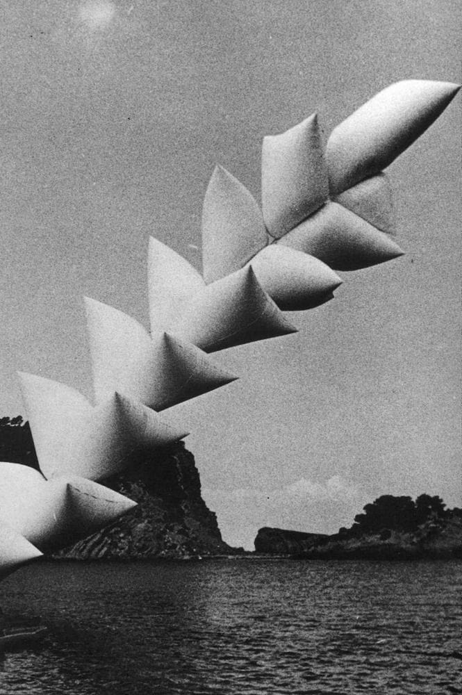 Escultura flotante de Josep Ponsatí