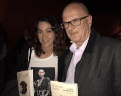 Enric Bosch presidente de ACCU Catalunya y Laura Marín de Miss Bowell