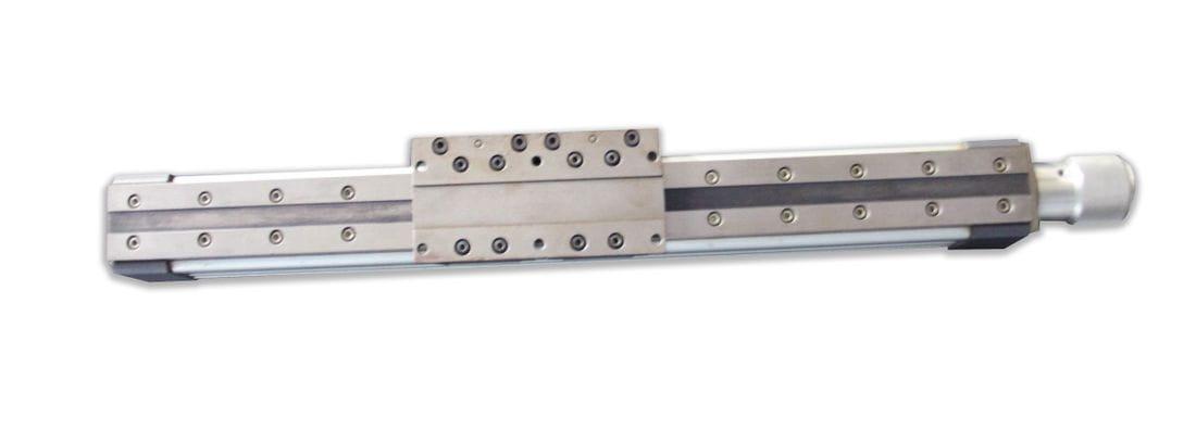 Actuador lineal amb fus rectificat a boles i guia amb patí lineal