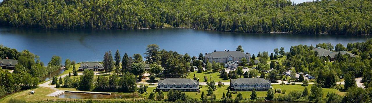 Auberge du Lac-à-l'Eau Claire