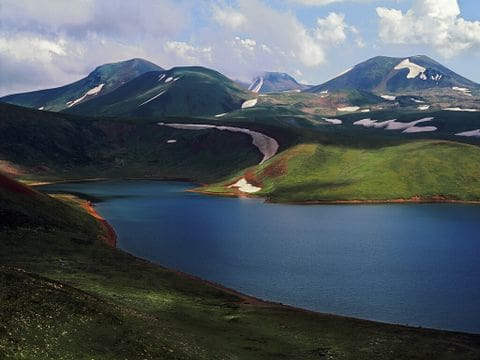 Lago Akna