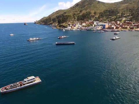 Estrecho de Tiquina (lago Titicaca)