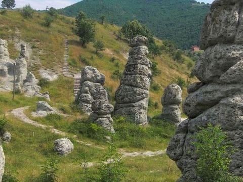 """KUKLICA """"Muñecas de piedra"""""""