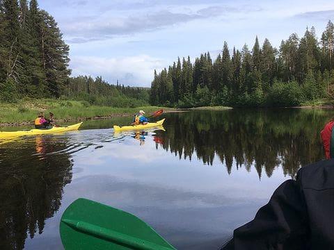 En canoa por el Parque Nacional de Oulanka