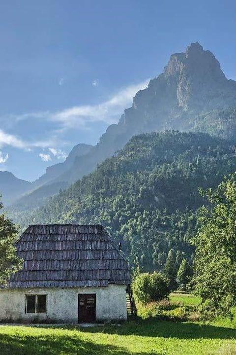 Valbona (Albania