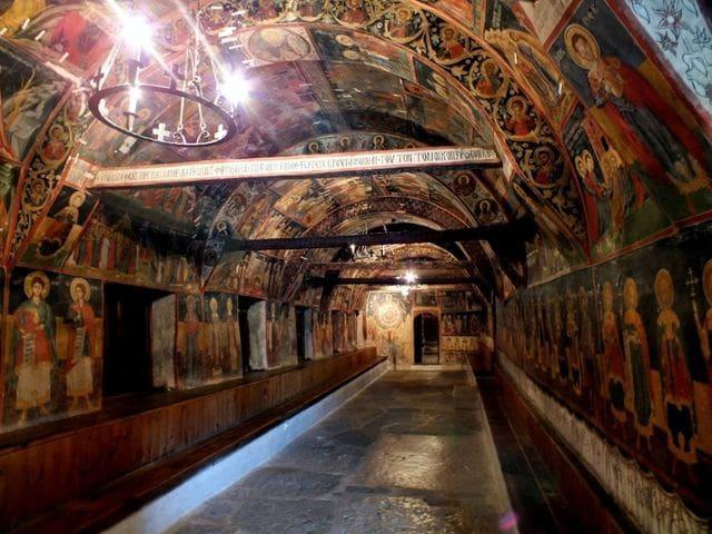 Interior de la iglesia ortodoxa de Arbanasi