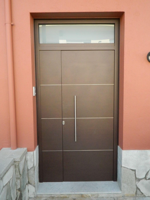 Porte alu boite abe tancaments for Puerta entrada madera