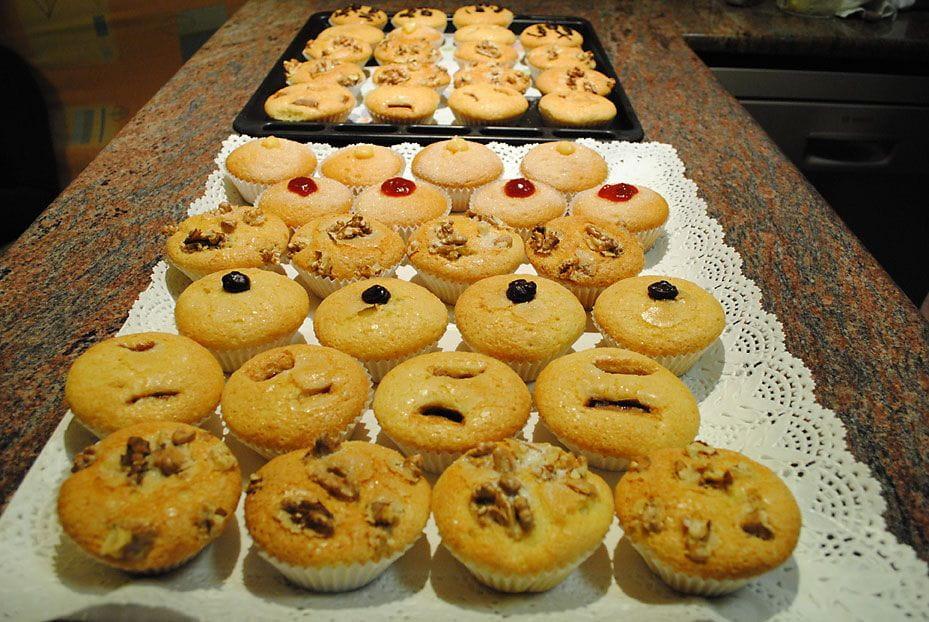 Cupcakes en zelfgemaakte cake