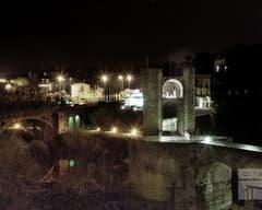 Puente de Besalú de noche