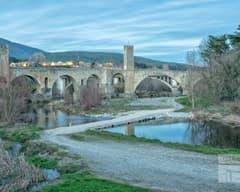 Puente de Besalú desde el Fluvià