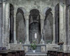 Interior de Sant Pere de Besalú