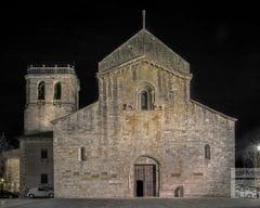 Monestir de Sant Pere de Besalú de nit