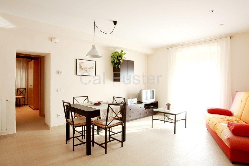 Menjador-sala d'estar - Cal Fuster Besalú