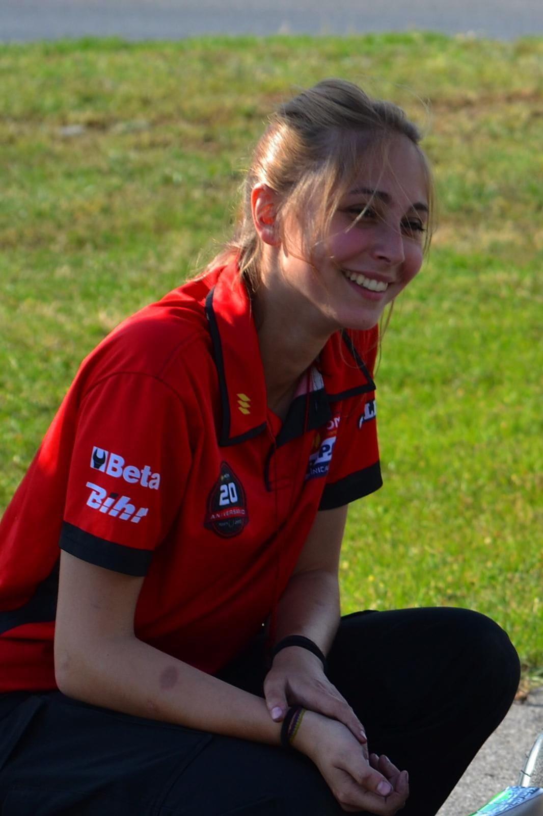 Iona Hernández - RC2 Junior Team
