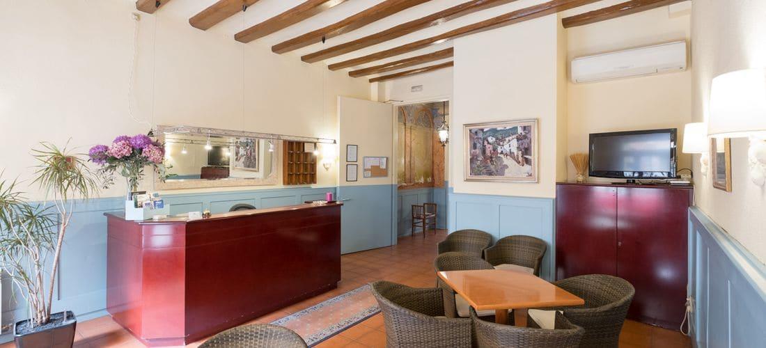 hotel torino el masnou hotel situat al maresme barcelona. Black Bedroom Furniture Sets. Home Design Ideas