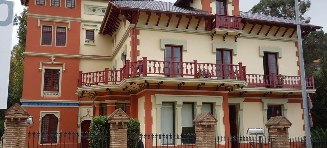 Desde nuestros inicios hemos rehabilitado gran cantidad de fachadas con soportes y soluciones diferentes pero siempre con una calidad técnica y de acabados inmejorables.