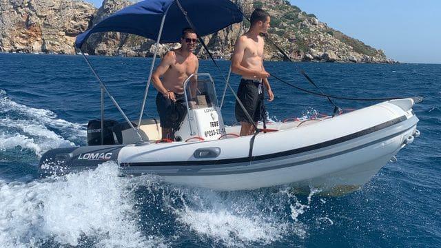 Très pratique et facile à conduire, location de bateaux sur la Costa brava, Estartit