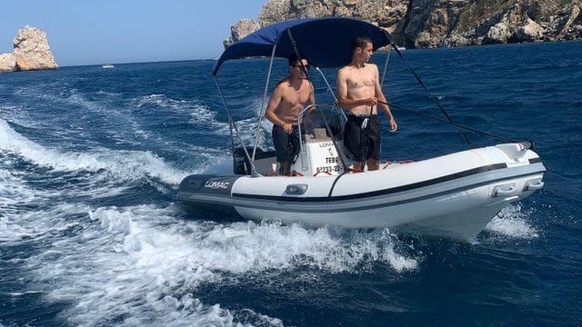 Muy practica y fácil de conducir, alquiler  de barco en Costa brava, Estartit