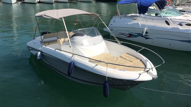 Boat rental with license in L'Estartit -Costa Brava- Activities in L'Estartit