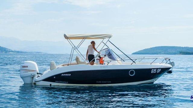 Nouveau modèle du Sessa Key Largo 20, plus grand et plus large, profitez de votre location de bateau à Estartit