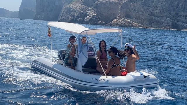 Perfect for activities in Estartit, rent your boat on the Costa Brava