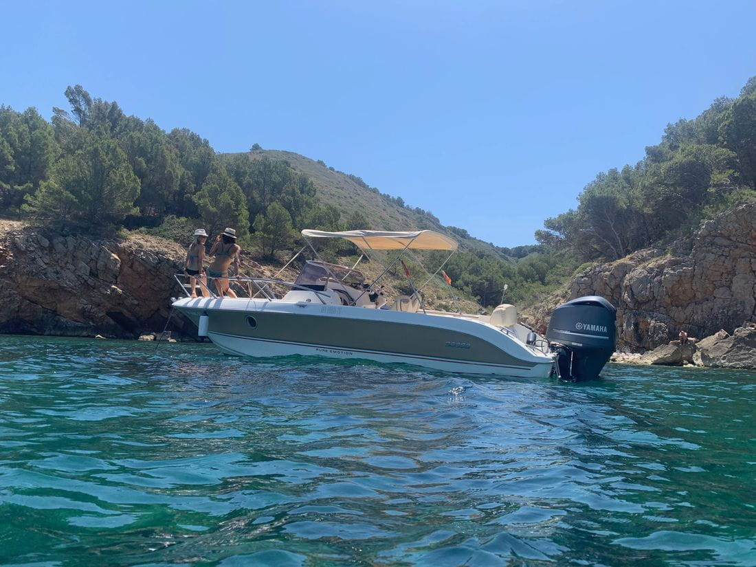 Sessa key Largo 20, the best rental boat on the Costa Brava.
