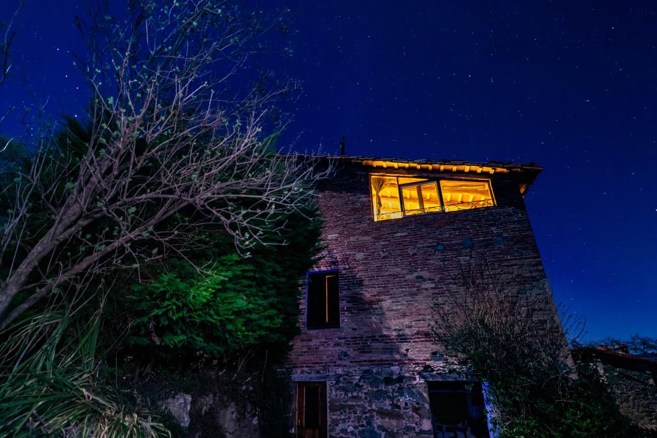 Sundown in Mas Mitjà. En Bas Valley. Garrotxa. Kilian Vindel   -    Canon Eos 6d MARK ii - IRIX Firefly 15mm f/2.4 ISO 400 28
