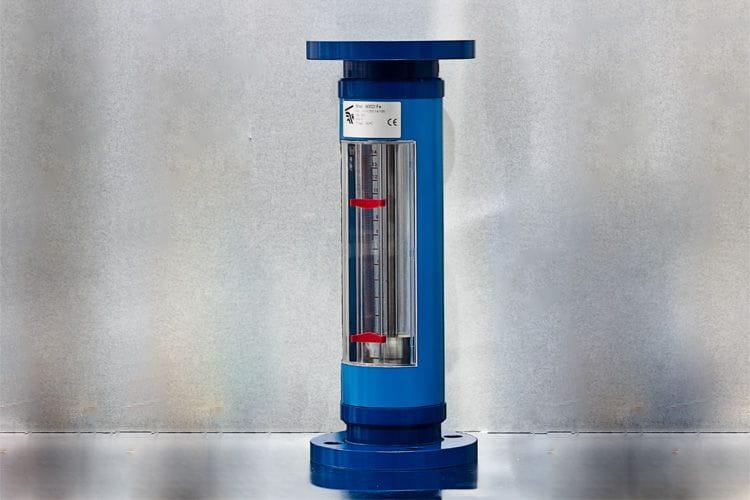 Medidor de caudal con tubo de vidrio