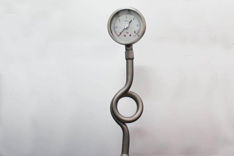 Manómetro con tubo sifón AbCo