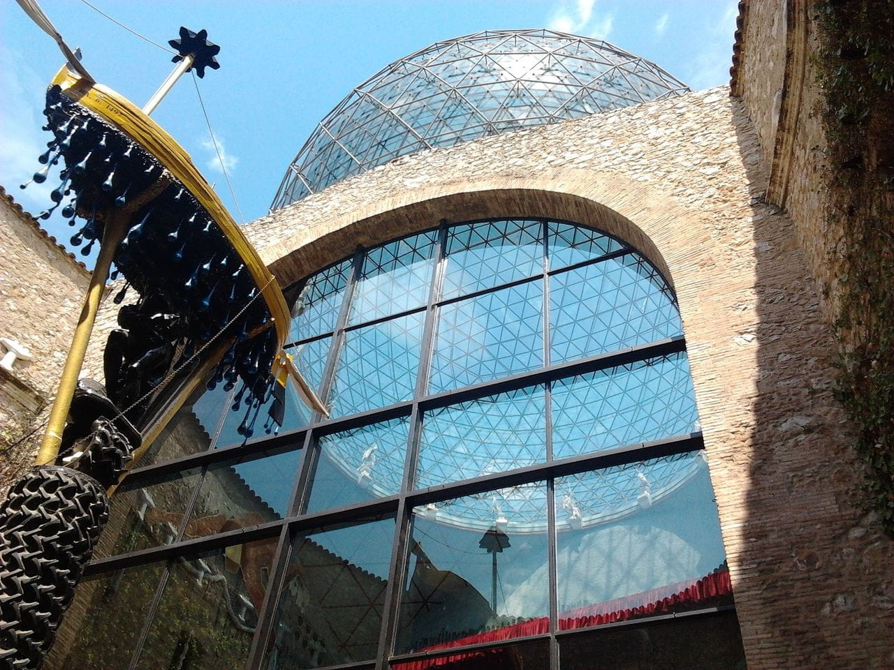Museo Dalí_Figueres_apartamentosbanyoles
