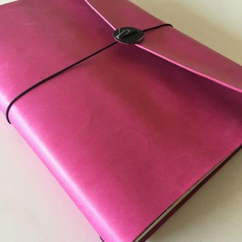 Quadern midori fet a mida i amb tres quaderns amb paper estampat REPAPER