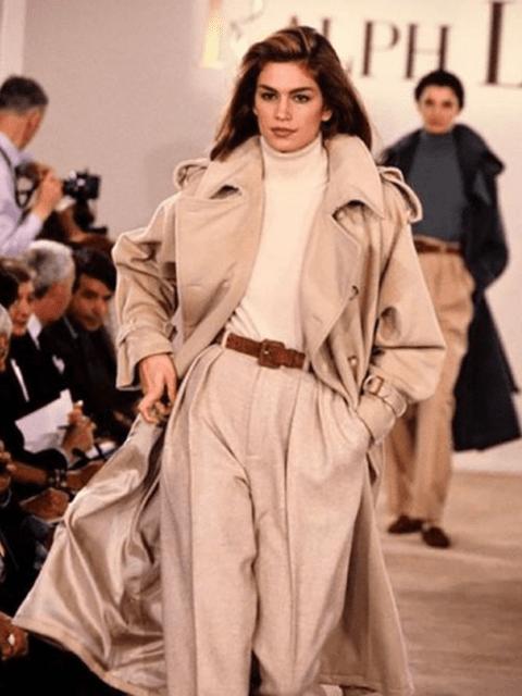 La model Cindy Crawford durant la desfilada de Ralph Lauren