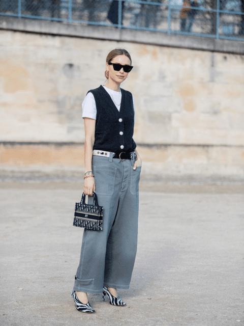 Chaleco de punto combinado con camiseta básica y pantalón estilo culotte.