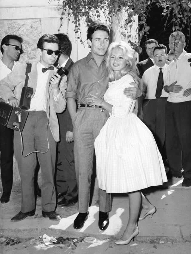 Foto de la boda entre Brigitte Bardot y Jacques Charrier.