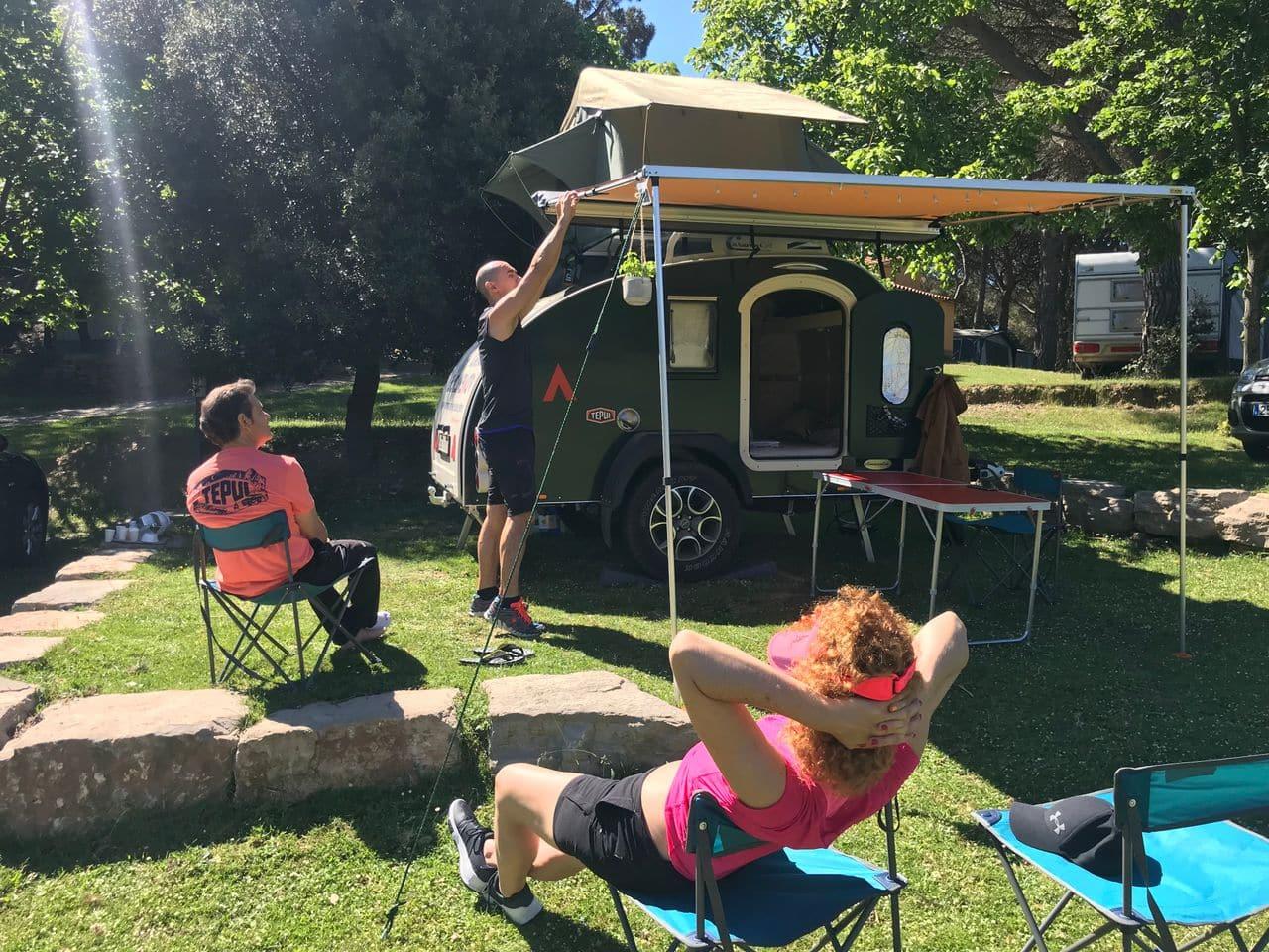 Escapada con nuestra tienda de techo THULE Tepui y nuestra minicaravana Caravancol