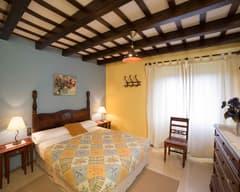Cal Duc- La Nana- Habitación con cama de matrimonio