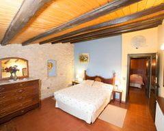 Cal Duc- La Nena- Habitación con cama de matrimonio