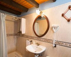 Cal Duc- La Nina- Bany amb dutxa