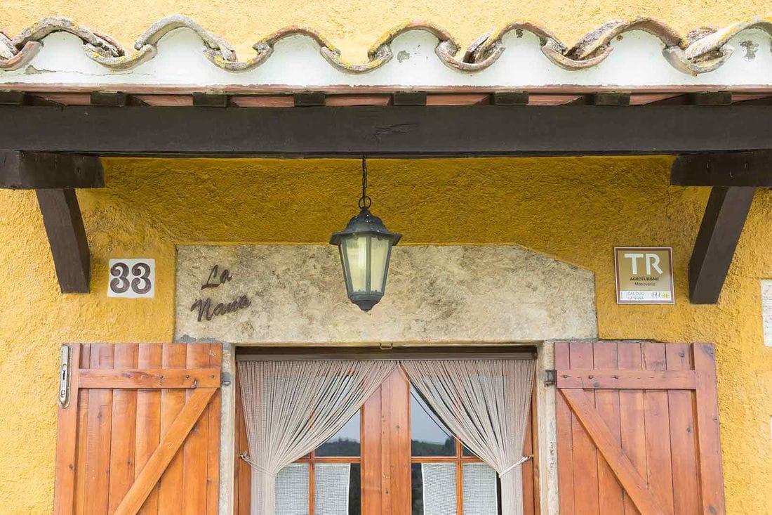 Cal Duc- La Nana- Puerta exterior