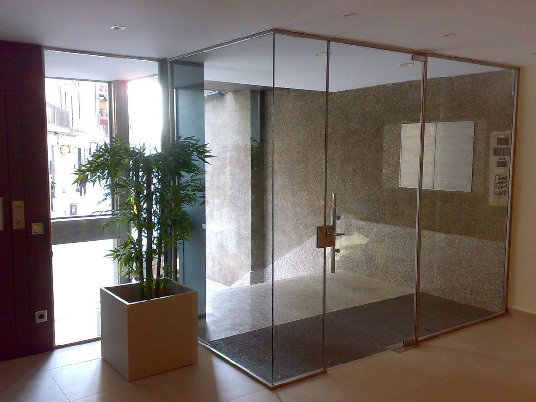 Puertas correderas de vidrio windtec tancaments for Correderas de vidrio