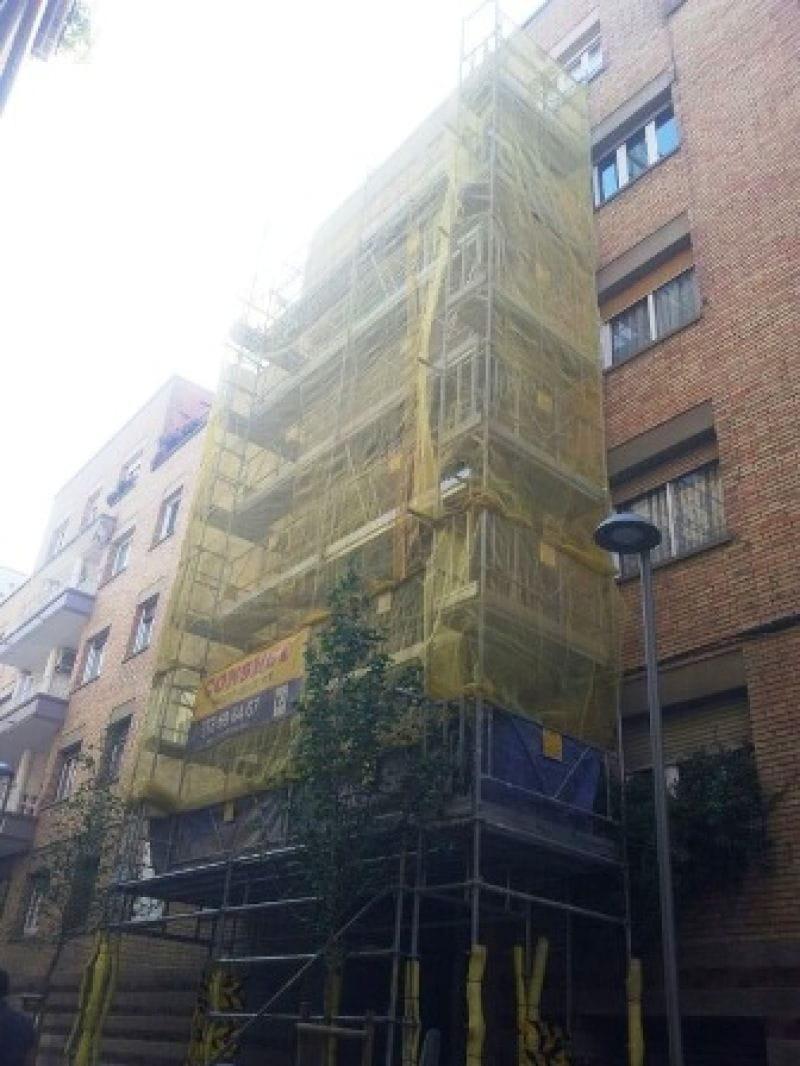 Andamio rehabilitación balcones