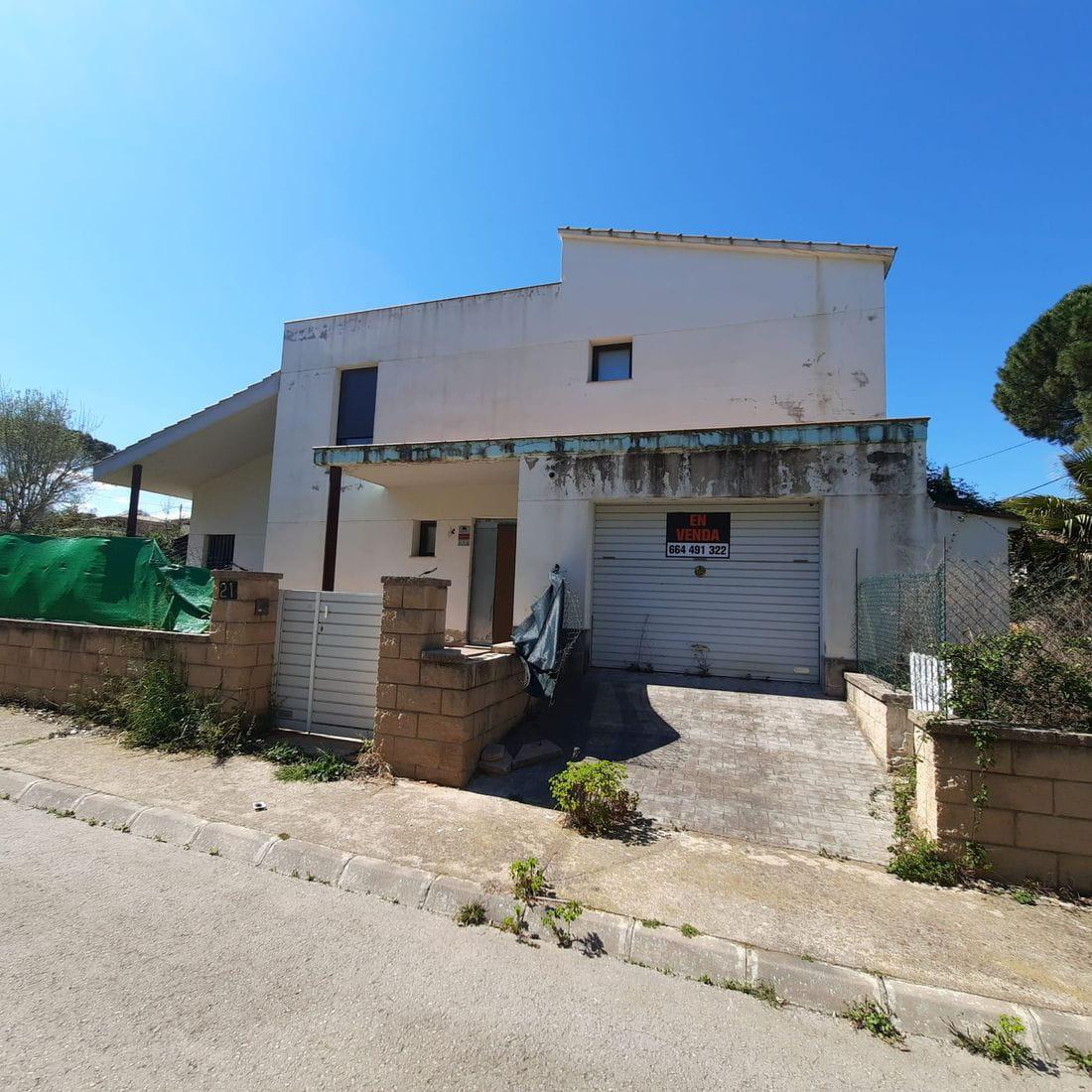 Chalet independiente en Caldes de Malavella, situado en la Urb. Can Solà Gros