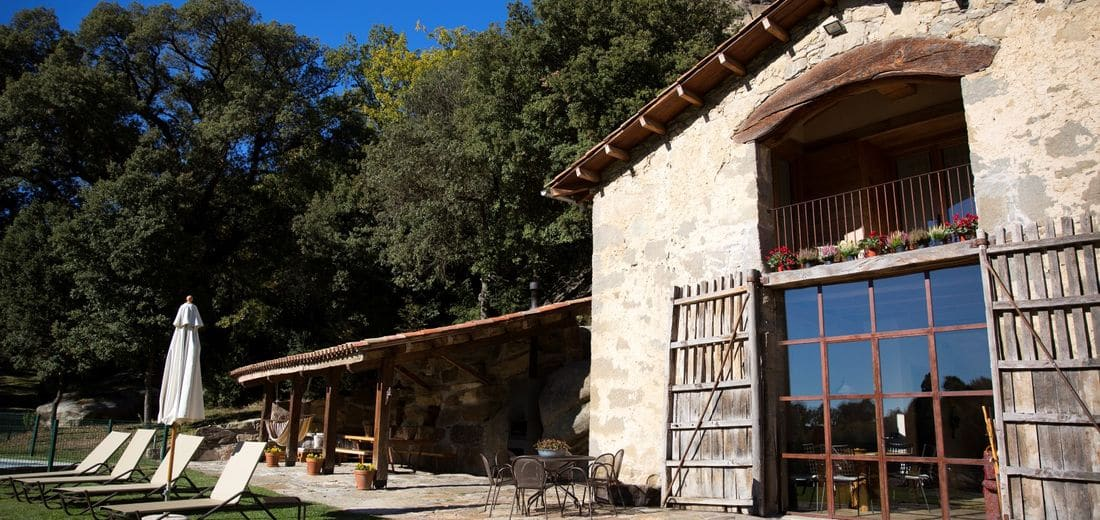 La Cabanya del Crous, an old barn from the XVIII century, converted into an exquisite and comfortable Country House, very quiet and surrounded by ancient trees.