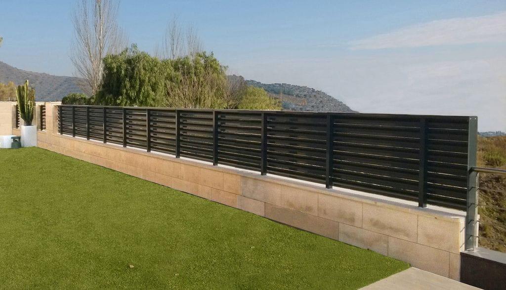 Portales i vallas de jard n aluminis - Vallas de jardin ...