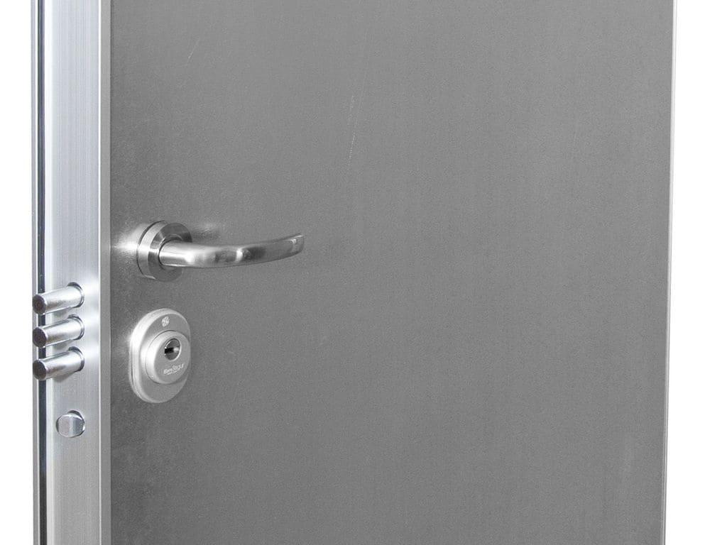 Puertas galvanizadas para trasteros materiales de for Puertas galvanizadas