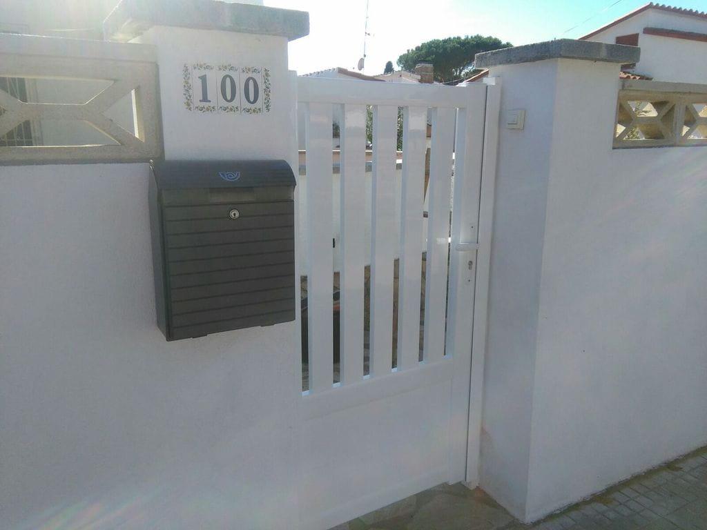 Puertas jard n tancalia for Puertas de jardin baratas