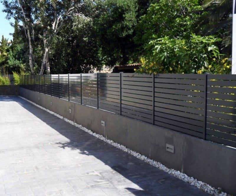 Puertas y vallas de jard n tancalia for Vallas de aluminio para jardin